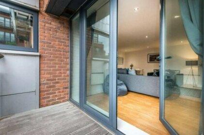 Stylish Liverpool Central Apartment - Sleeps 8