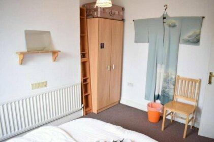 1 Bedroom Victorian Flat In Stoke Newington