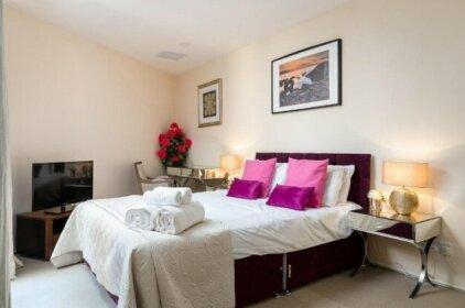 2 Bed Off Regent St