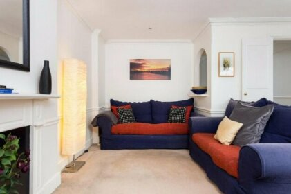 2 Bedroom Flat In Fulham Sleeps 4