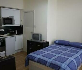 247 Hostel And Studio Apartments