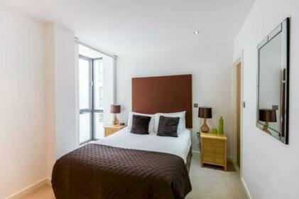 Alie Street Private Apartment