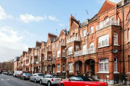 FG Property - The Barons Court Lodge II
