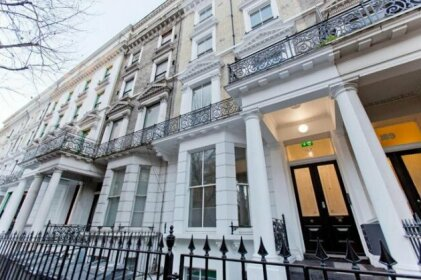 Flat 4 Cromwell Road 1 Bedroom Apartment with Balcony