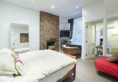 Kensington Olympia Apartment