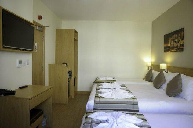 Kings Cross Inn Hotel- Photo4