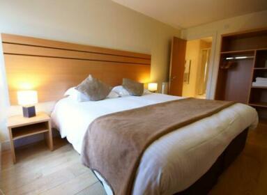 Lodge Drive Apartments London