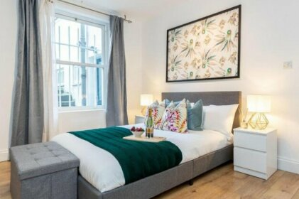 Luxury 3Bed Apartment in Kensington Olympia