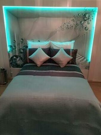 Luxury studio flat at Fulham road