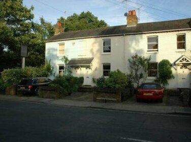 Middle Cottage Bed and Breakfast London
