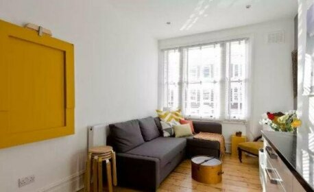 Modern 2bed in Brook Green Olympia