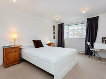 Modern four bed family home with garden Highbury