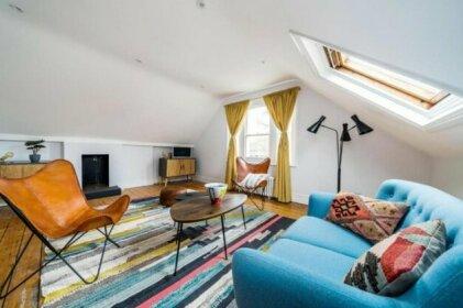 NEW Bohemian 2 Bedroom Victorian Flat in Dalston
