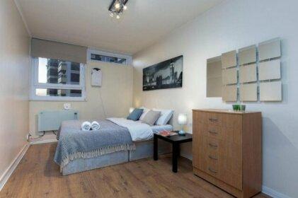Queensland House - Deluxe Guest Room