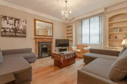 Spacious South Kensington 1 Bedroom Apartment