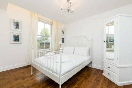 Stunning Spacious 4BD House with Garden - Sleeps 8