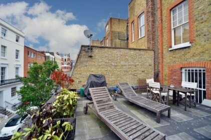 The Queensway Retreat - Stylish 2BDR with Views