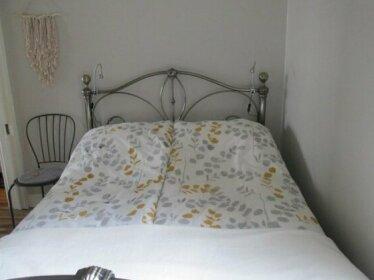 The quiet & cosy Fulham Reach Crib
