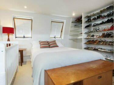 Three Bedroom House in Fulham