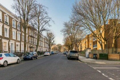 Trendy 1BR Home in Islington With Balcony