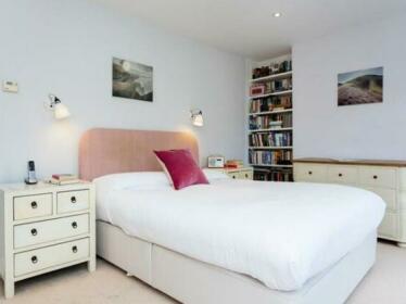 Veeve Stunning Family House With Garden Stoke Newington