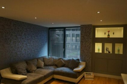 2 Bedroom Apartment - Close To Piccadilly Train Station / Edge Of The Northern Quarter