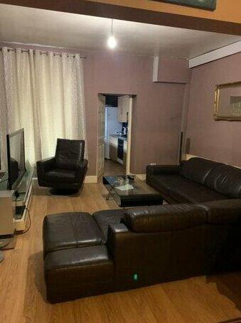 B J guest house Manchester