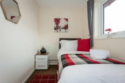 MK SHORT STAYS - Bradwell House