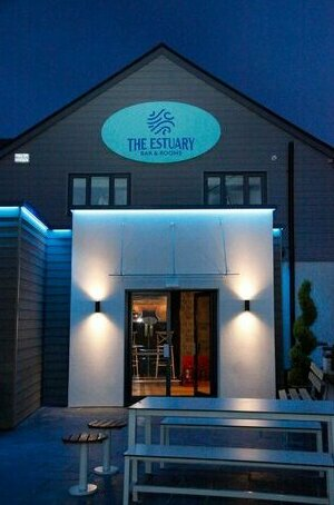 The Estuary - A Bar with Rooms