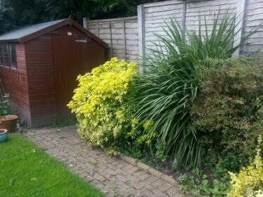 Homestay - Comfortable home in Solihull