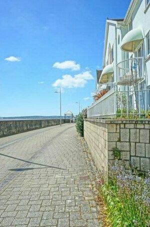 Wild Swan Ocean View Apartment Marina