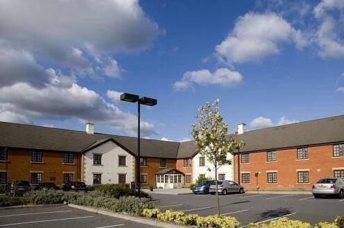 Premier Inn Waltham Abbey- Photo4