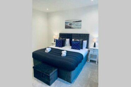 Modern apartment CLOSE to Watford Hospital