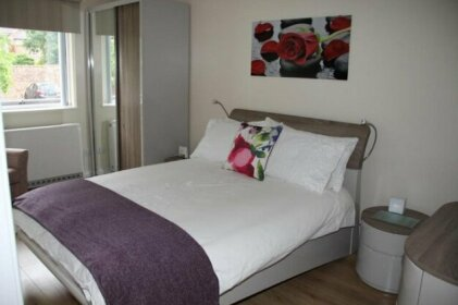 City Centre Apartment with Riverside Walks and Free Parking C20SI