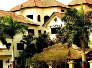 El'Orr Castle & the Jazz Court Accra