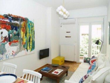 A Refreshed & Rich in Details Apartment in Piraeus Passalimani - Marina Zeas