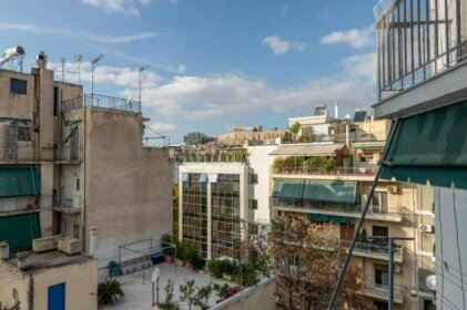 Renovated lovely apartment near to Acropolis