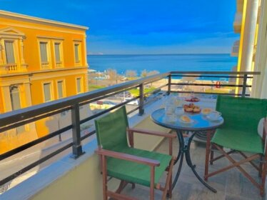Blue Elegance City Center Heraklion Apartment