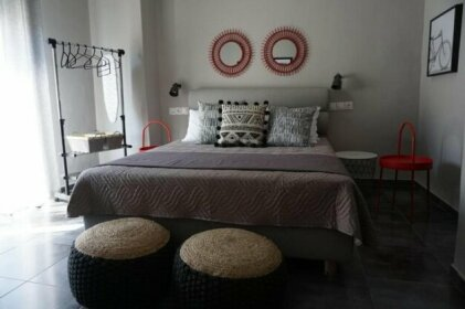 Yasemi Superb Two Floor Apartment
