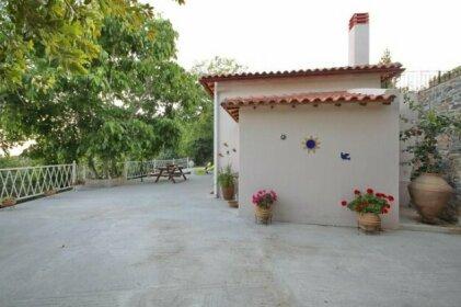 Pyrgos Country House