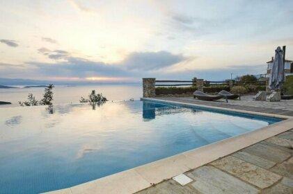 Luxury & Unique Black Diamond Villa in Pelion Greece