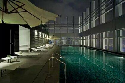 Lux Studio 3min MTR w/ Sky Bar Gym Pool