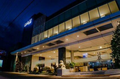 RedDoorz Premium near Exit Toll Malang