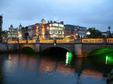 Pearse Street Sleeps 10