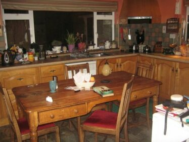 Homestay - Comfortable home historical Meath