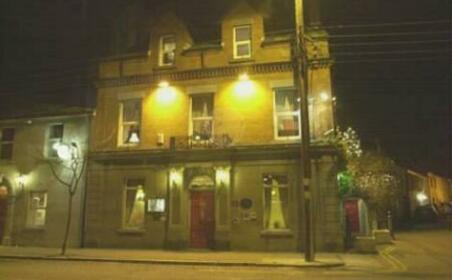 The Redbank Guesthouse