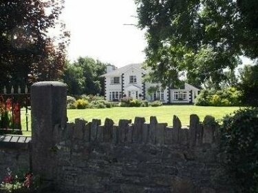 Innwood House