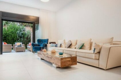 Luxury 3BR In Talbiya Area By HolyGuest