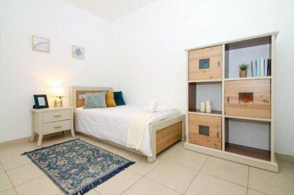 Spacious 3 BDR Garden Apartment