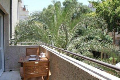 Ben Yehuda 204-Hilton beach -2 bedrooms-balcony